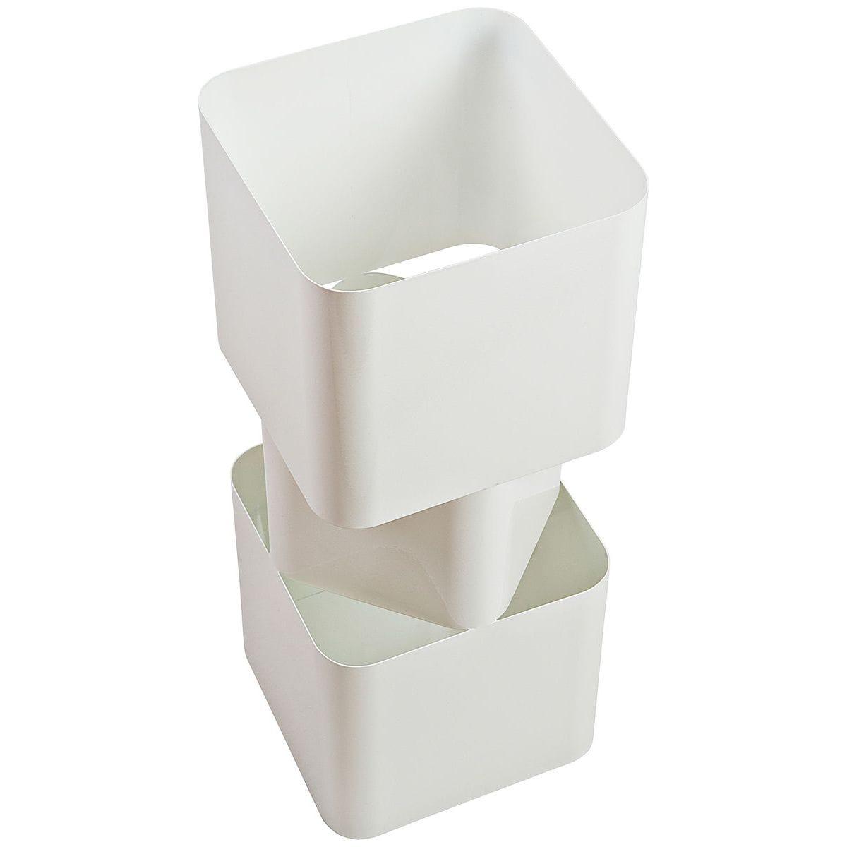 Portaombrelli in metallo biancoa forma di parallelepipedo sfasato