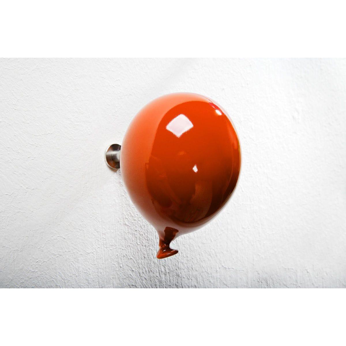 Palloncino in ceramica appendiabiti decorativo miniBalloon arancione SU PARETE