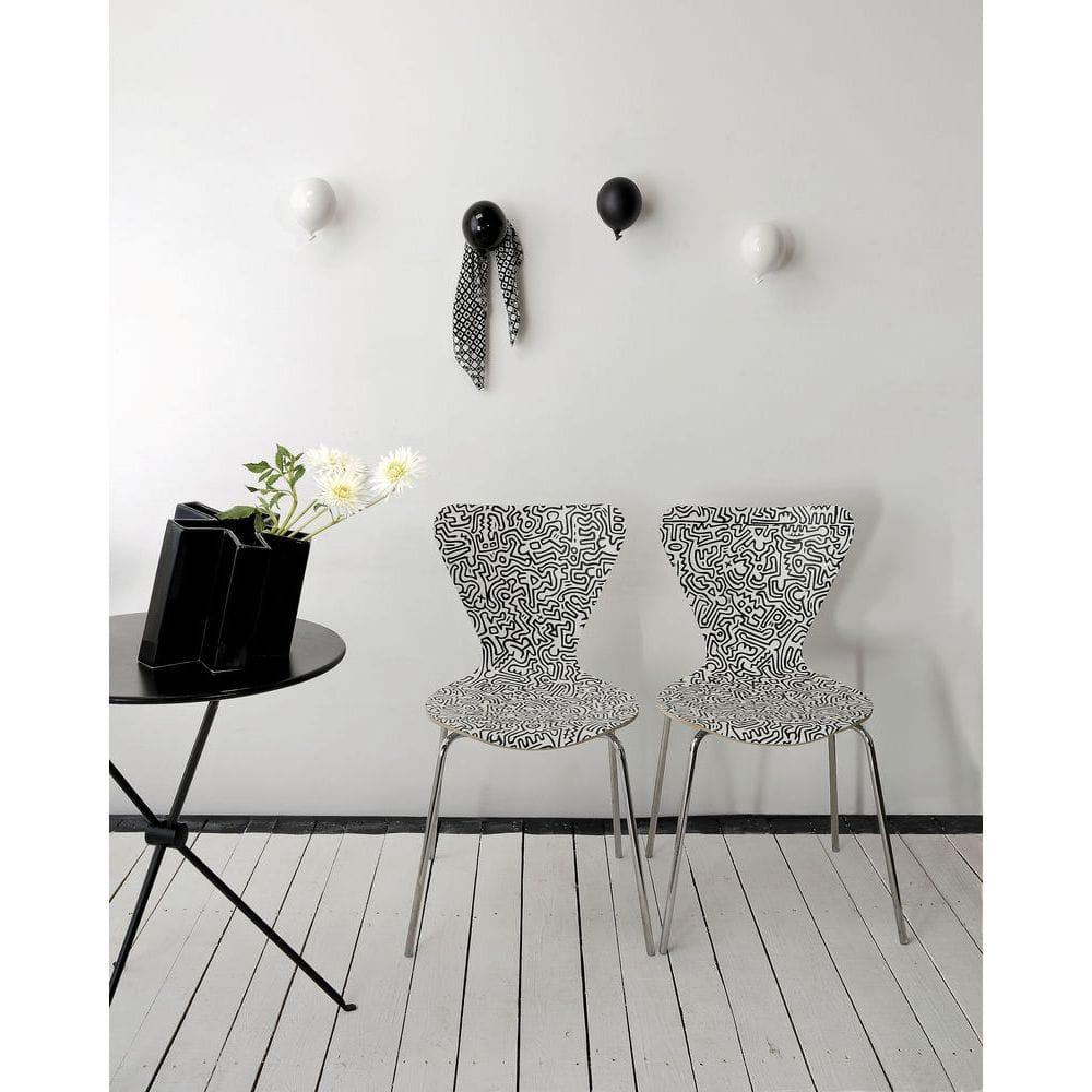 Palloncino in ceramica appendiabiti decorativo miniBalloon bianco e nero su parete