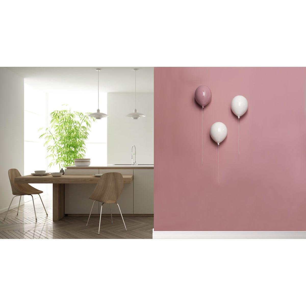 Palloncino decorativo in ceramica Balloon bianco e rosa su parete