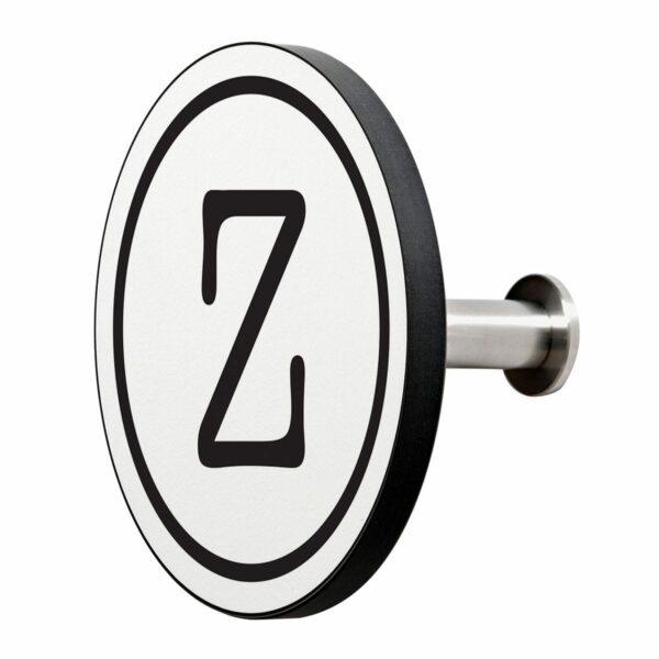 Appendiabiti a forma circolare della collezione Art-Up Alphabet con pomello in acciaio inox e appendiabiti HPL sfondo bianco lettera nera Z