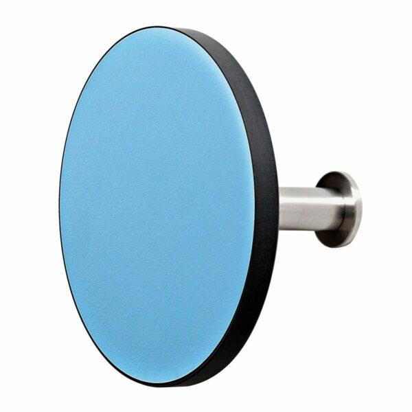 Appendiabiti a forma circolare della collezione Art-Up con pomello in acciaio inox e appendiabiti HPL colore azzurro
