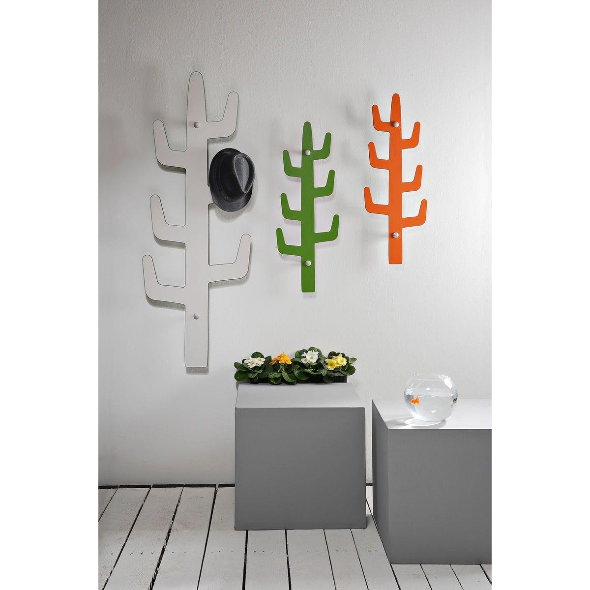 appendiabiti da parete minimal a forma di saguaro in due misure diverse