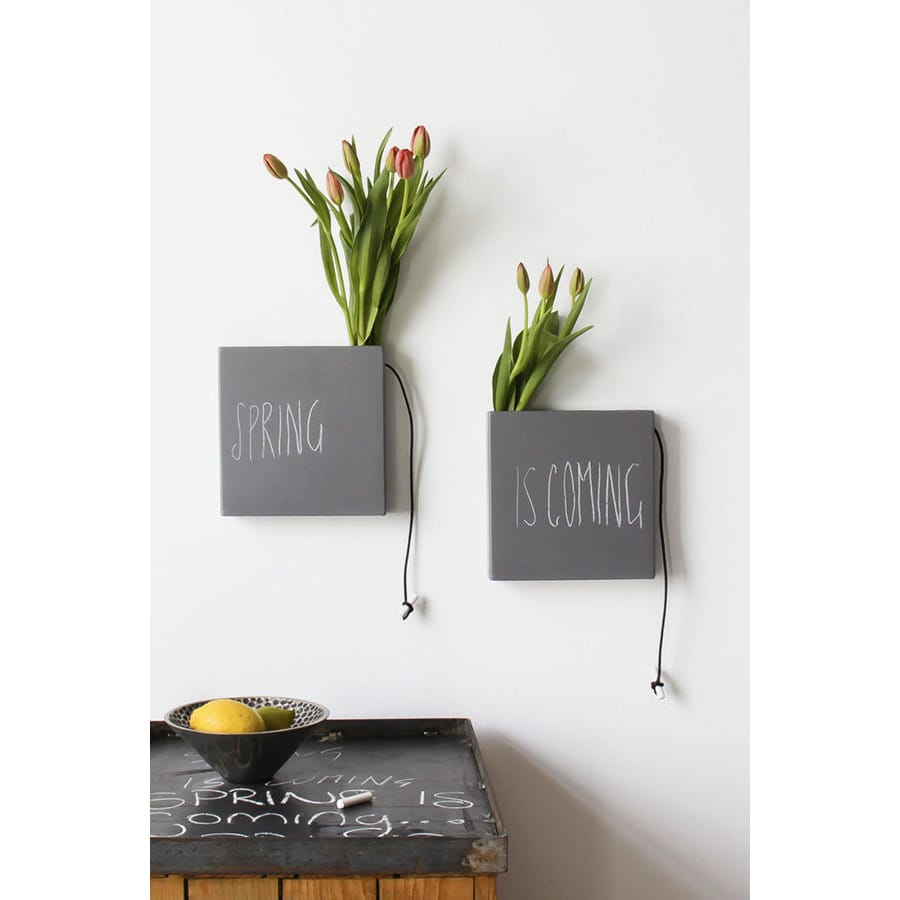 Umidificatore per termosifone in ceramica a forma di vaso grigio concept di Laura Ellero