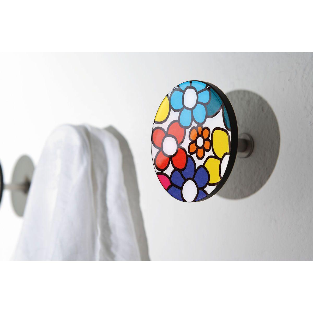 Appendiabiti a forma circolare della collezione Art-Up con pomello in acciaio inox e appendiabiti HPL rivestito in resina con grafica florale colorata