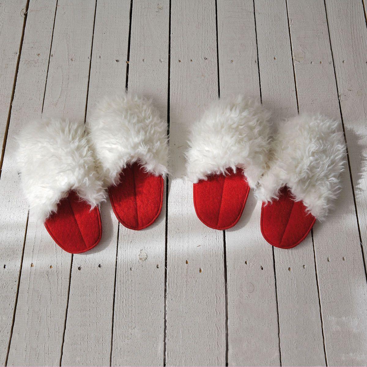 ciabattone in pile rosso e pelliccia sintetica bianca