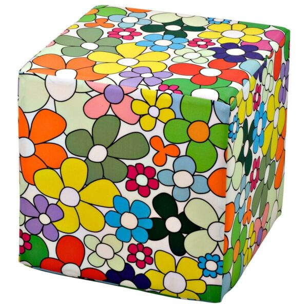 Pouf rigido a cubo in ecopelle con grafica colorata di Carlo Muttoni