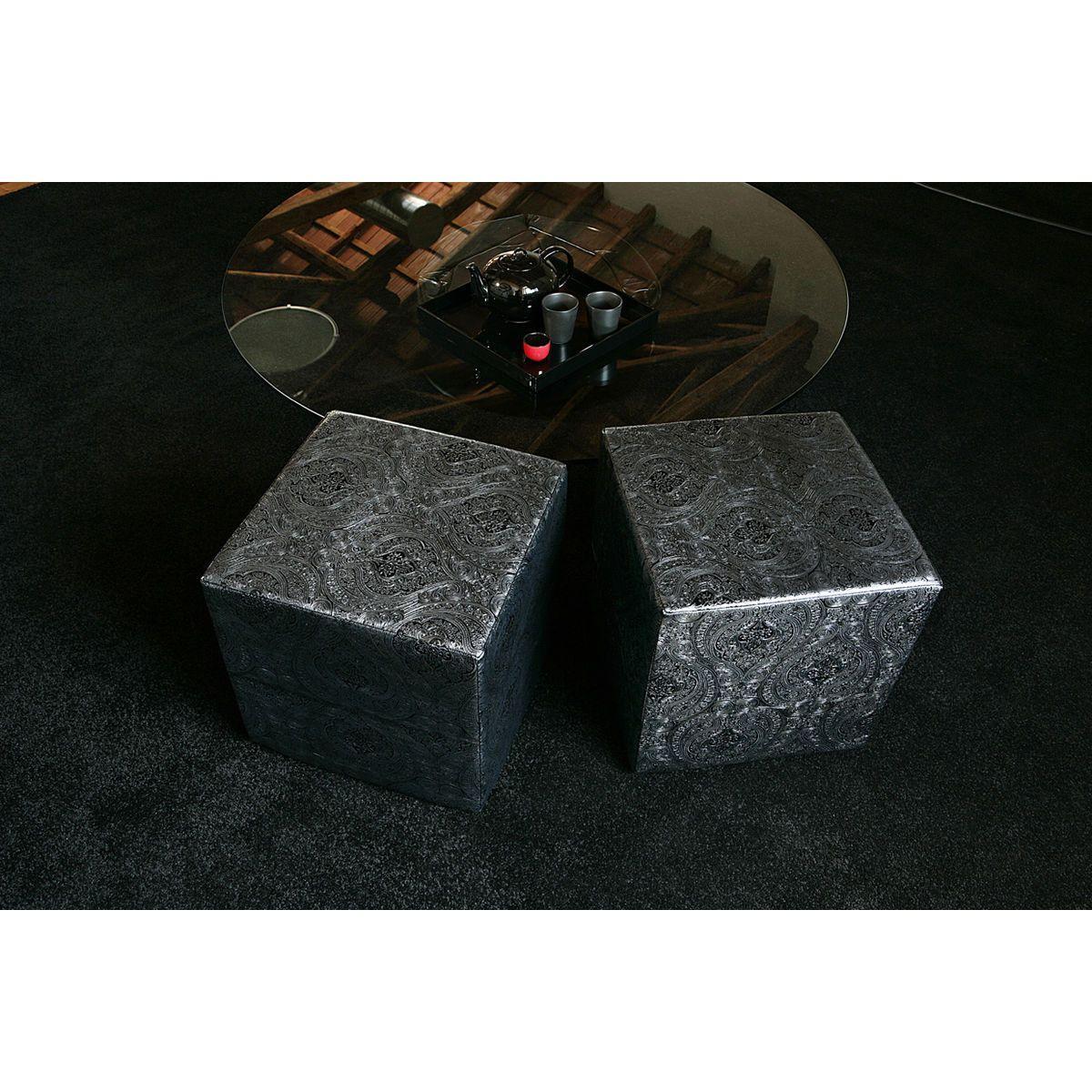 Pouf rigido a cubo in ecopelle nero e argento con fantasia indiana