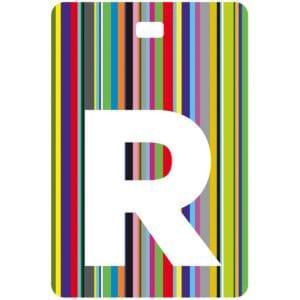 Etichetta bagaglio con lettera alfabeto bianca su sfondo a righe colorate con iniziale R