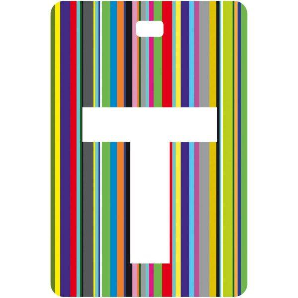 Etichetta bagaglio con lettera alfabeto bianca su sfondo a righe colorate con iniziale T