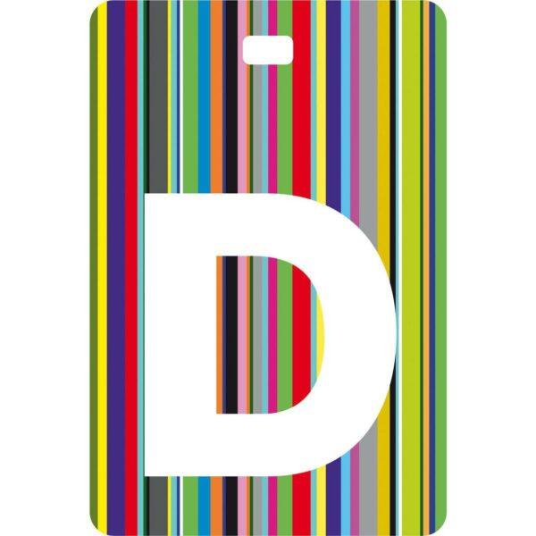 Etichetta bagaglio con lettera alfabeto bianca su sfondo a righe colorate con iniziale D