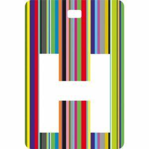 Etichetta bagaglio con lettera alfabeto bianca su sfondo a righe colorate con iniziale H