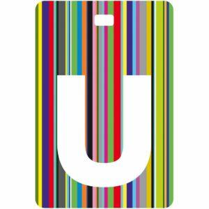Etichetta bagaglio con lettera alfabeto bianca su sfondo a righe colorate con iniziale U