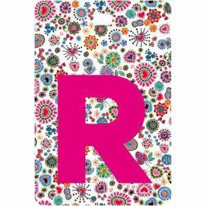 Etichetta bagaglio con lettera alfabeto bianca su sfondo fantasia cuori e fiori colorati con iniziale R