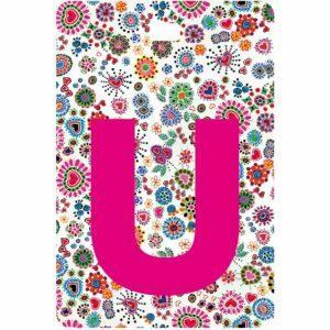 Etichetta bagaglio con lettera alfabeto bianca su sfondo fantasia cuori e fiori colorati con iniziale U