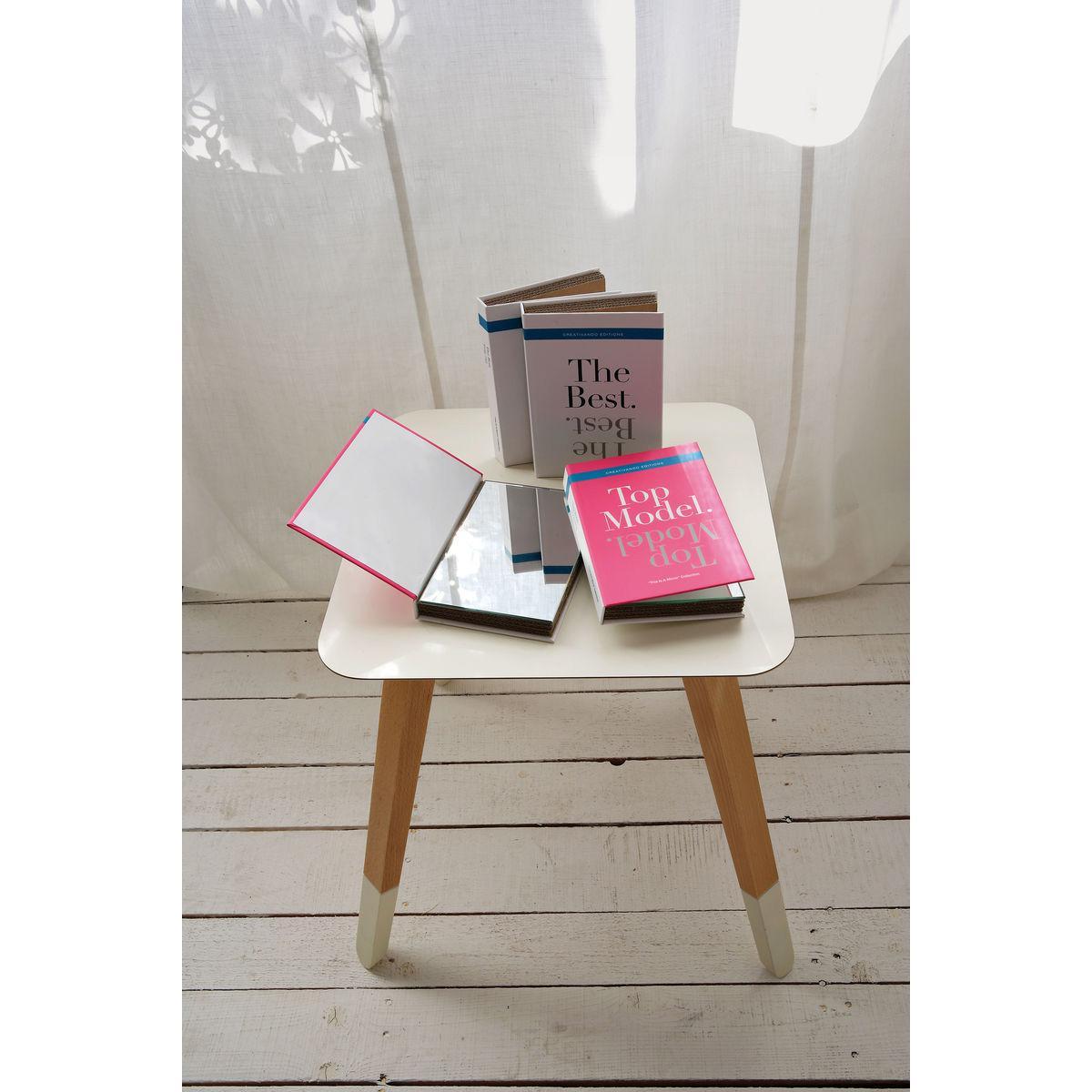 Specchi da borsetta o scrivania a forma di libro copertine colorate