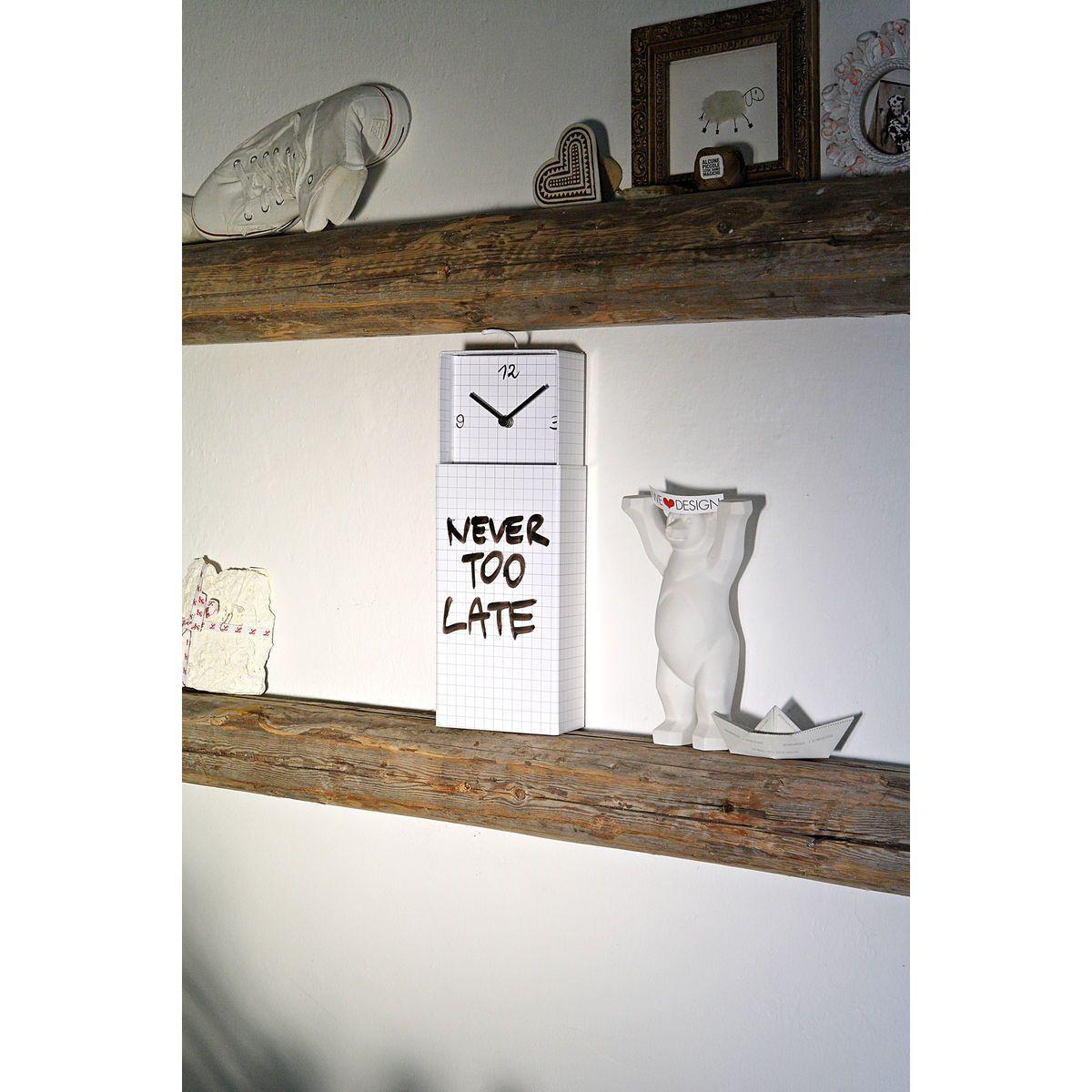 Orologio da parete o da appoggio racchiuso in scatola rettangolare bianco con scritta Never Too Late