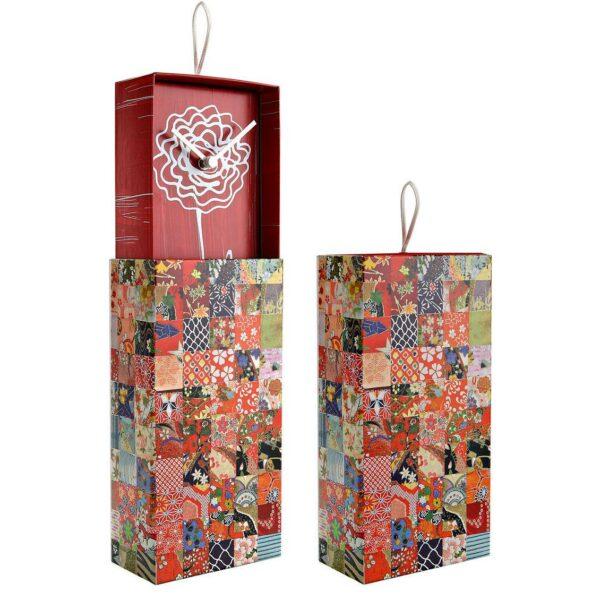 Orologio da parete o da appoggio racchiuso in scatola rettangolare con artwork colorato patchwork
