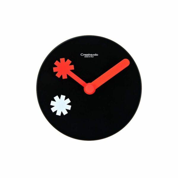 Orologio da parete circolare nero con lancette rosse
