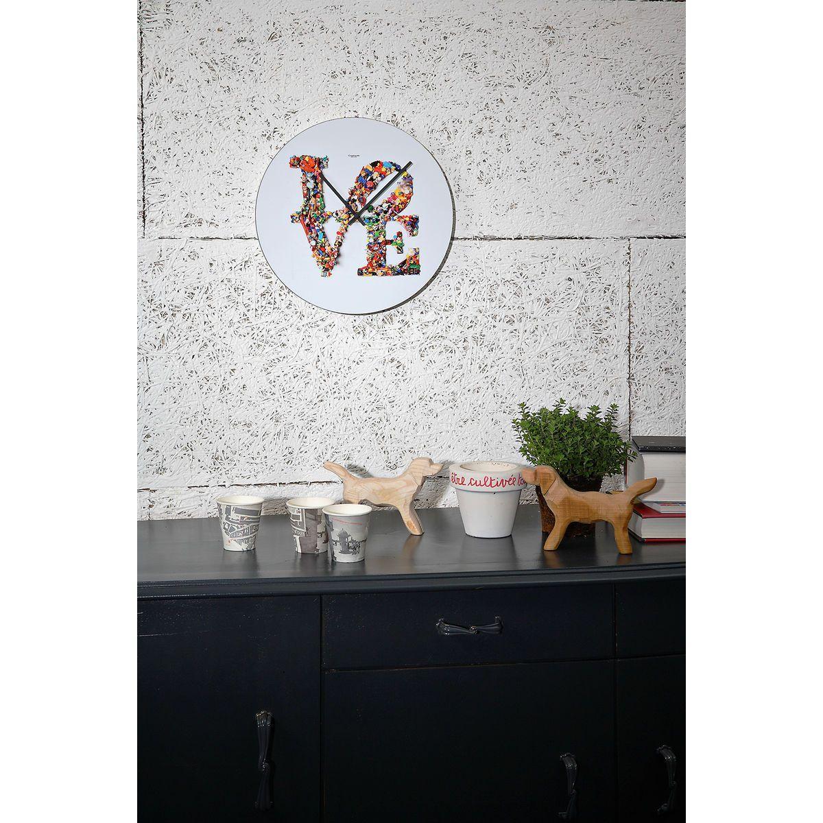Orologio da parete circolare bianco con grafica Love Is Not A Toy