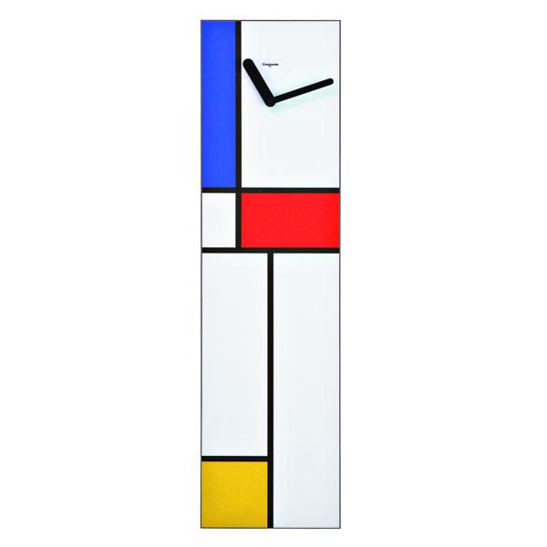 orologio da parete, verticale, fondo bianco, decorato secondo lo stile e i colori Mondrian o Bauhaus.