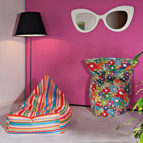 Poltrona a sacco Peggy in nylon finitura mano morbida con pattern a righe multicolor e flowers