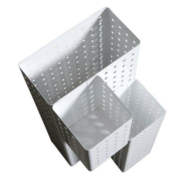 Portaombrelli in metallo bianco forellato a forma di parallelepipedo composto