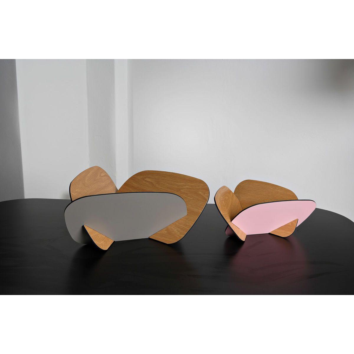 Contenitori multiuso formato da tre tasselli incassati tra loro colore rovere, grigio e rosa