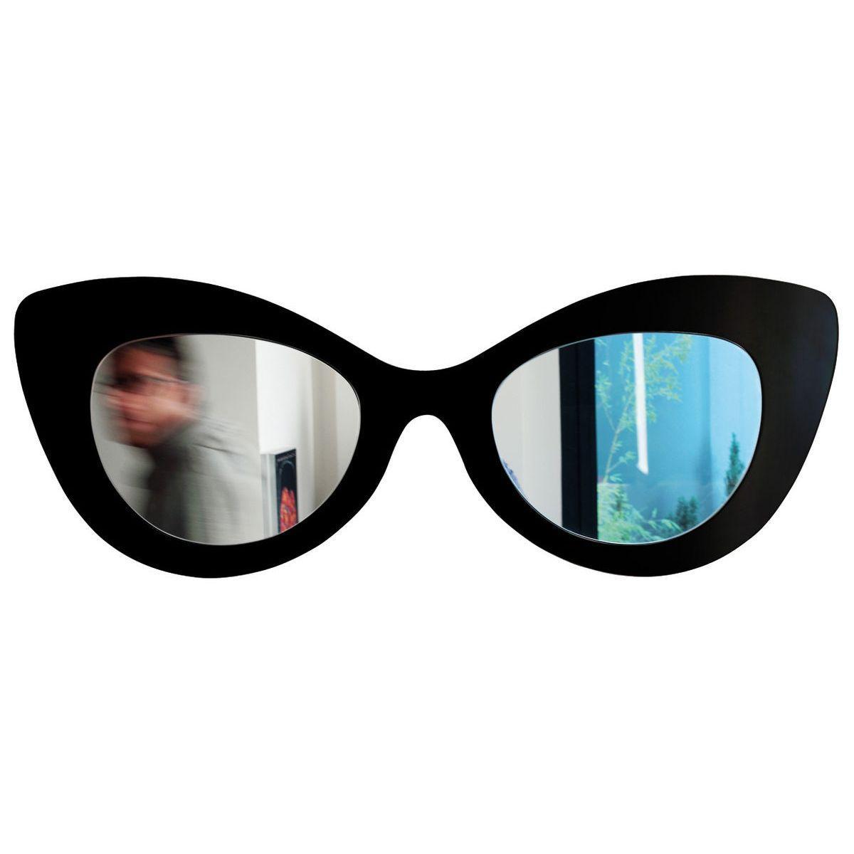 Specchio doppio a forma di occhiale femminile con montatura di colore nero ispirato alla moda hollywoodiana anni 60