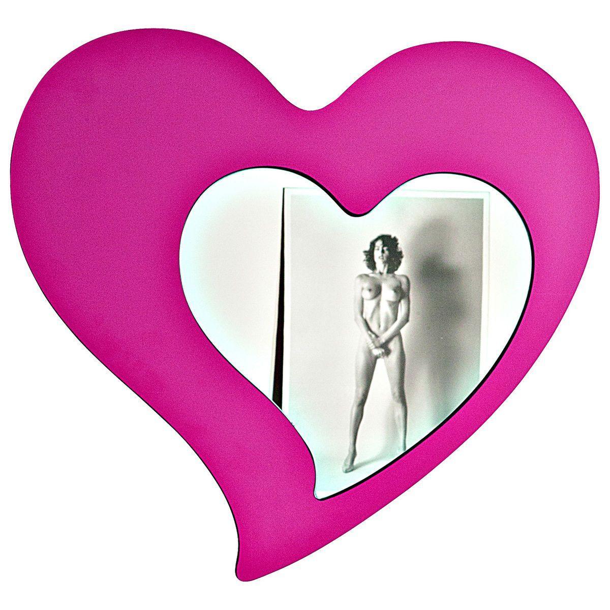 Specchio a forma di cuore con cornice a forma di cuore di colore fucsia
