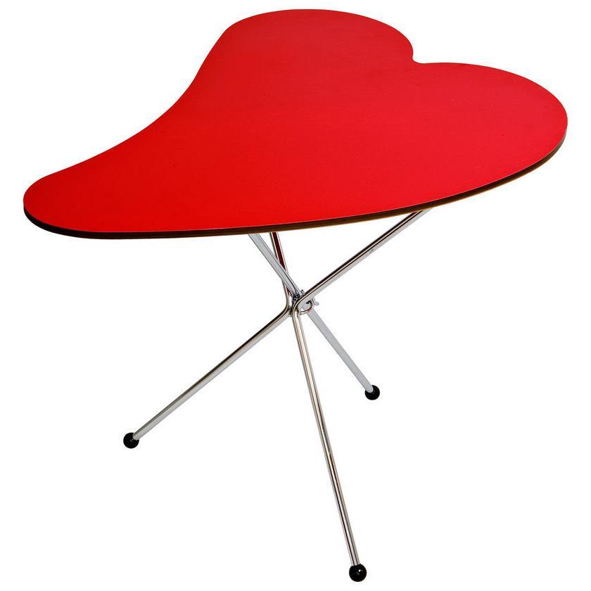 Tavolino basso colore rosso a forma di cuore