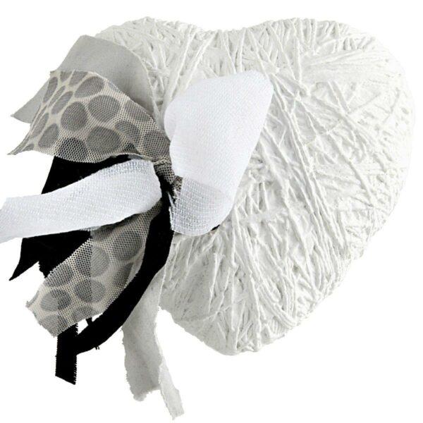 Cuore di ceramica bianco e tessuto con grafica di Fabrizio Crescentini & Laura Ellero