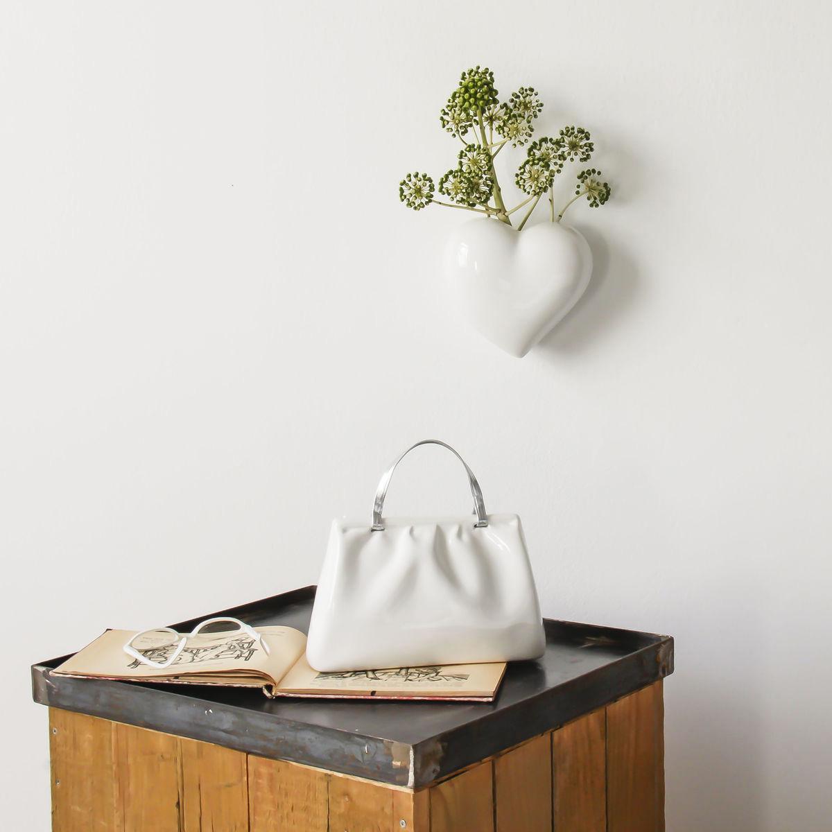 Umidificatori per termosifone in ceramica a forma di cuore e borsetta di colore bianco