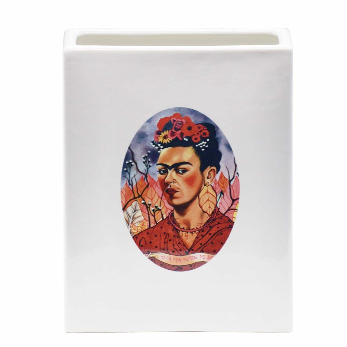 vaso in ceramica bianco rettangolare con l'immagine di Frida Khalo