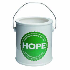 Vaso in ceramica bianca a forma di barattolo di vernice con etichetta verde testo Hope