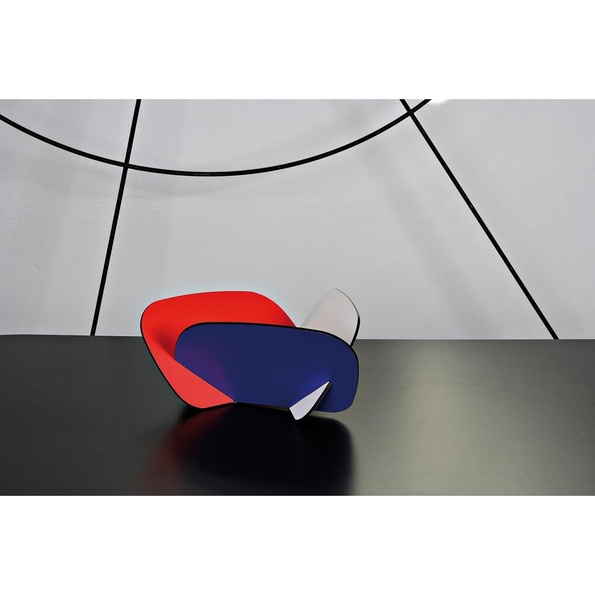 Contenitore multiuso formato da tre tasselli incassati tra loro con grafica stile BauhausPortafrutta