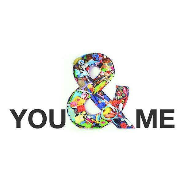 cARTolina in Tyvek leggera e impermeabile con testo You and Me con & colorata in diversi stili