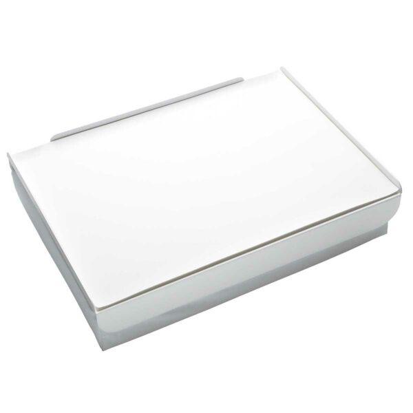 Vassoio da letto composto da un morbido cuscino, un piano in metallo e tovaglietta in ecopelle: colore bianco e argento