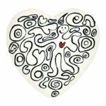 Cuore di ceramica bianco con grafica di Laura Ellero