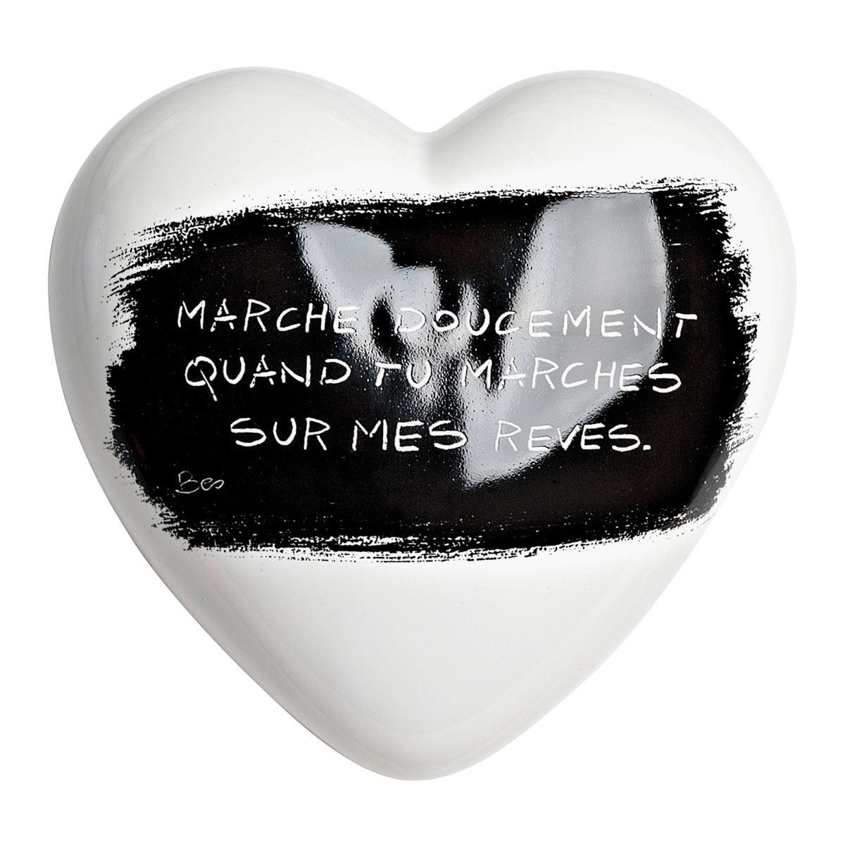 Cuore di ceramica bianco con grafica di Mauro Bassani testo in francese