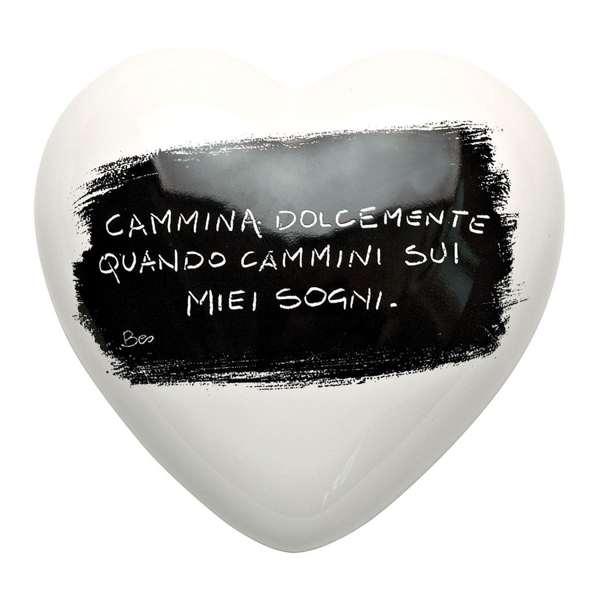 Cuore di ceramica bianco con grafica di Mauro Bassani