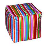 pouf morbido realizzato con una stoffa a righe multicolor imbottito con sfere di polistirene