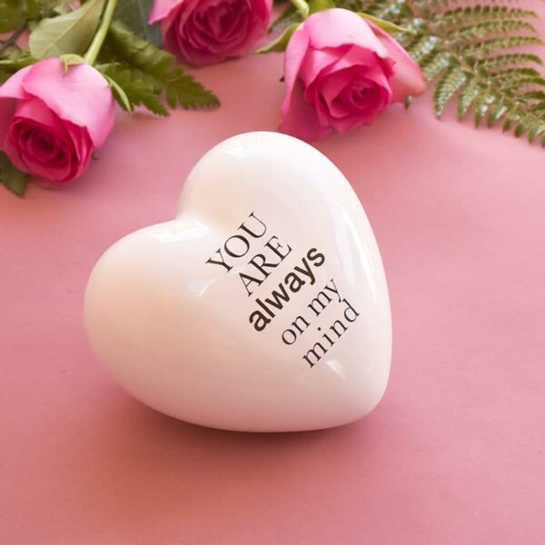 cuore in ceramica bianco tridimensionale con la scritta you are always on my mind