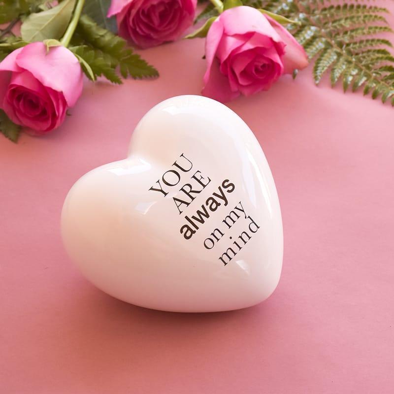 cuore in ceramica bianco tridimensionale con la scritta you are always on my mind