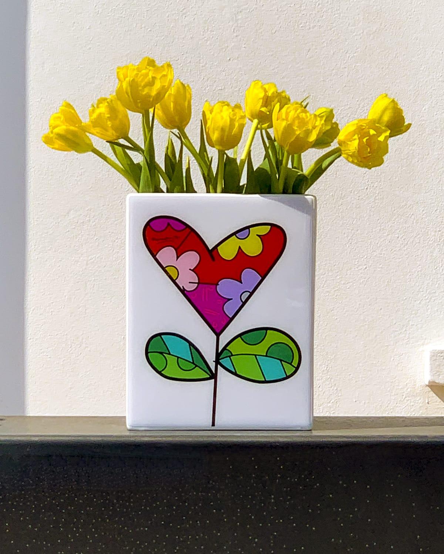 vaso ceramica bianco rettangolare con decoro tulipano di romero Britto