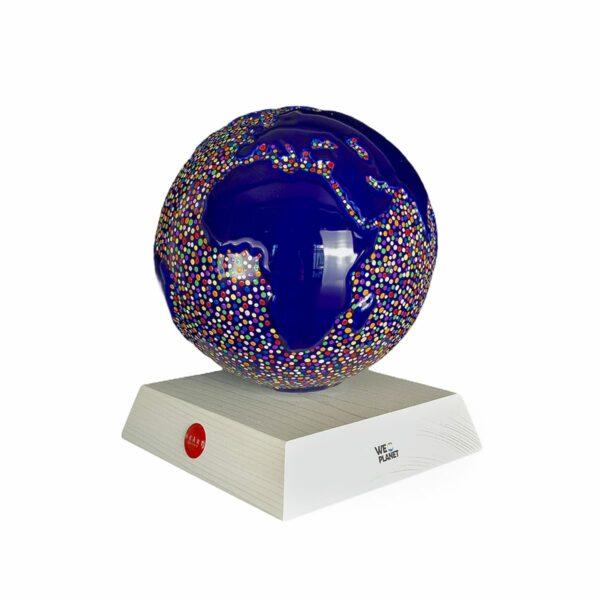 pianeta terra dipinta a mano oggetto ornamentale