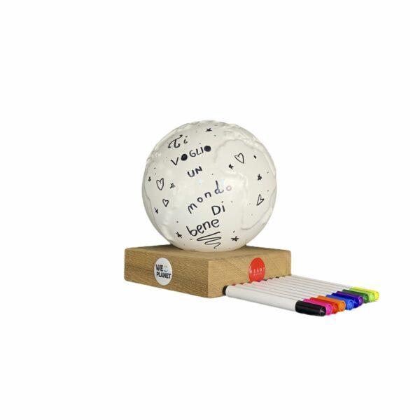 mappamondo DIY in ceramica con pennarelli per dediche personalizzate