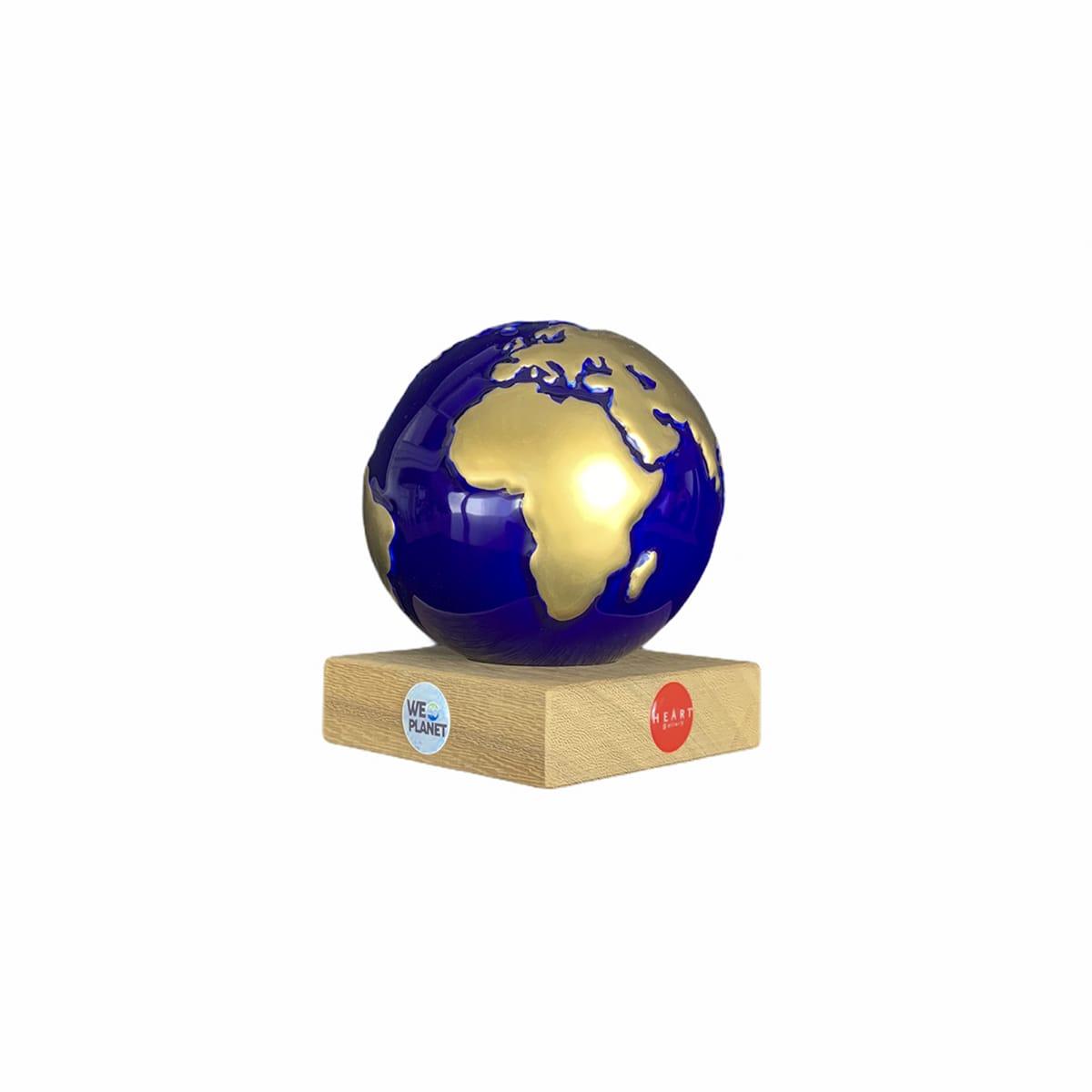mappamondo design blu con terre emerse dorate