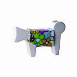 oggetto design a forma di cane stilizzato in ceramica bianco con vestitino a fiori colorato