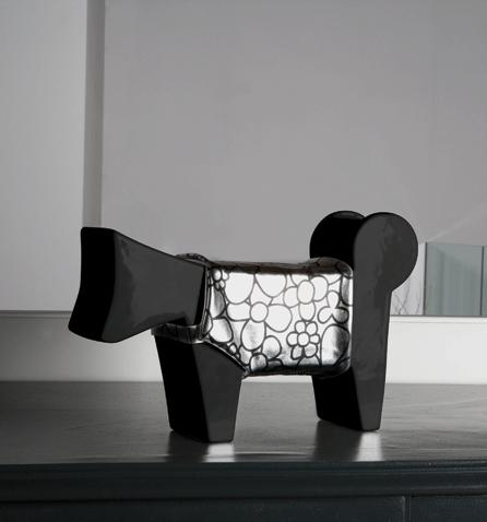 cane design ceramica nero con vestitino argento